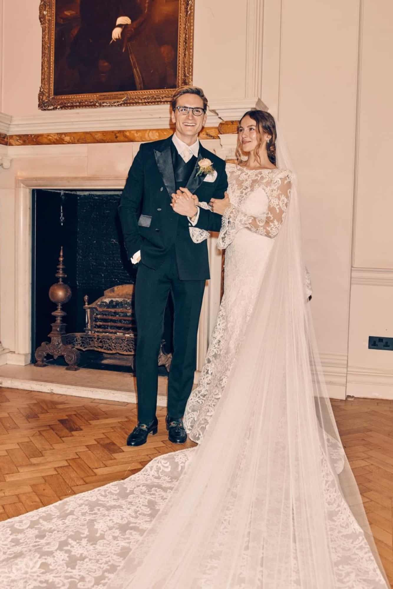 Emma-louise-connelly-proudlock-hp
